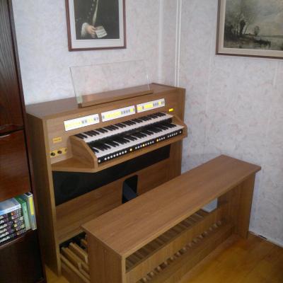 STUDIO 150 JOHANNUS  orgue d'étude 2 claviers -  Mélamine Nautilus Teak