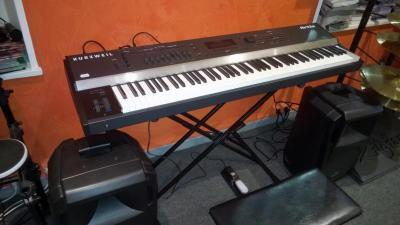 KURZWELL ARTIS-88 piano numérique de scène  88 notes ( DEMO)