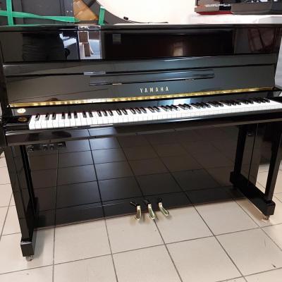 LOCATION d'un piano droit 113cm YAMAHA B2-SILENT ( 2ème main )