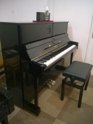 YAMAHA piano droit B3e-SC2-PEC 121 cm Chrome + SILENT noir brillant