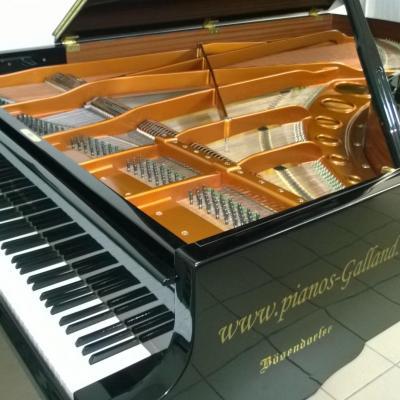 Piano à queue BOSENDORFER  occasion 225cm 3/4 CONCERT Fabrication VIENNE en 1985 (Disponible)