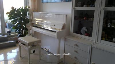 SCHIMMEL piano neuf C-116 TRADITION blanc brillant
