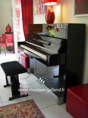 SCHIMMEL piano neuf C-116M MODERN noir brillant