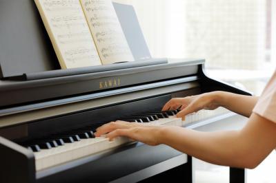 LOCATION-TEST d'un piano numérique KAWAI CA48-B touches en bois
