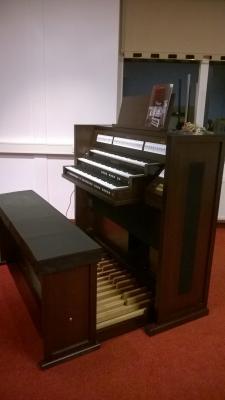 CLASSIC 350 JOHANNUS orgue de salon 3 claviers : Chêne noyer foncé