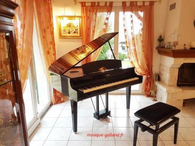 YAMAHA CLP765-GP noir brillant CLAVINOVA GrandTouche-S™ (Disponible)