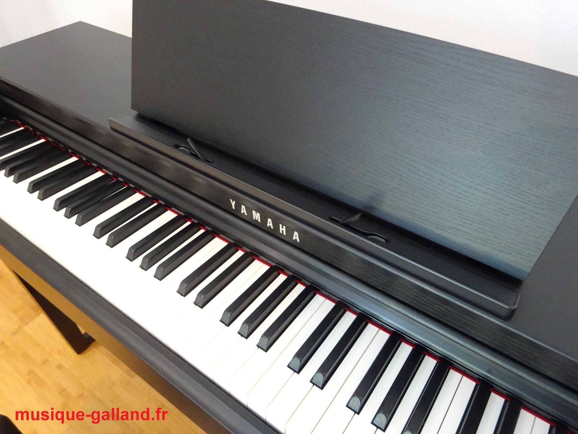 Yamaha clp625 b finition noir satin for Meuble yamaha