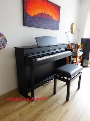 LOCATION d'un piano numérique neuf YAMAHA Clavinova CLP 745 -B à clavier BOIS