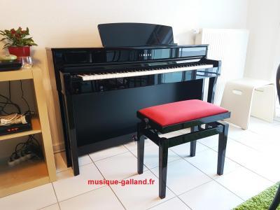 YAMAHA CLP645-PE BUNDEL piano noir brillant + banquette + casque