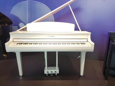 YAMAHA CLP695GPWH le piano numérique queue en finition blanc brillant