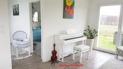 YAMAHA CLP735-WH blanc CLAVINOVA GrandTouche-S™ (Monté)