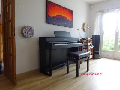 YAMAHA CLP745-B noir CLAVINOVA GrandTouche-S™(bois)