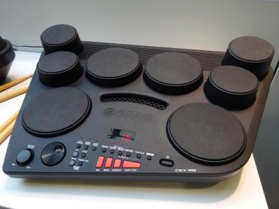 batteries et percussions. Black Bedroom Furniture Sets. Home Design Ideas