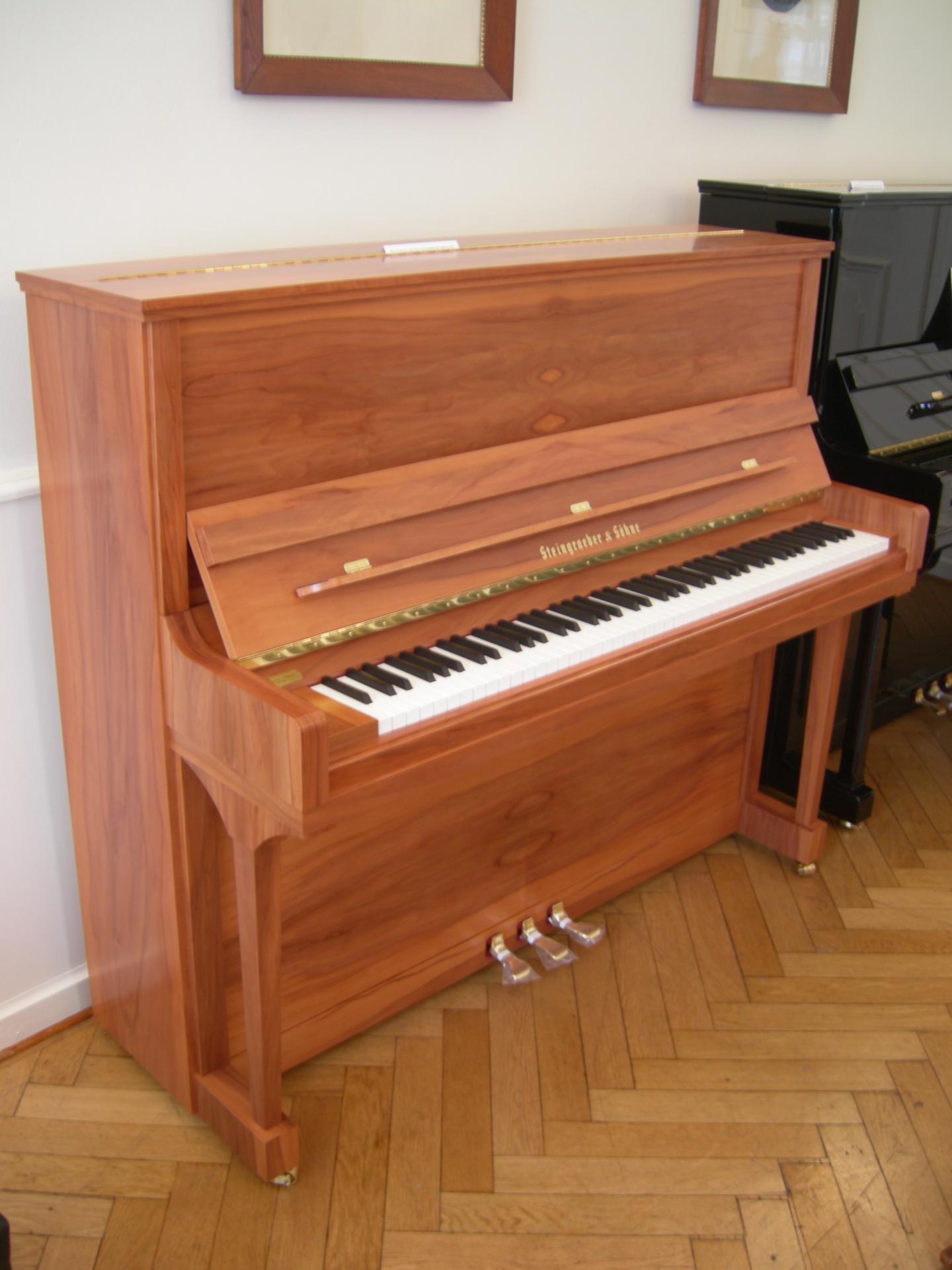 magnifique piano droit steingraeber 130 k noir. Black Bedroom Furniture Sets. Home Design Ideas