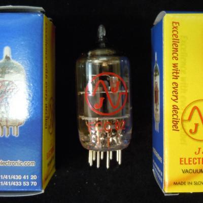 ECC82  / 12AU7  JJ-ELECTRONIC Lampe Tube