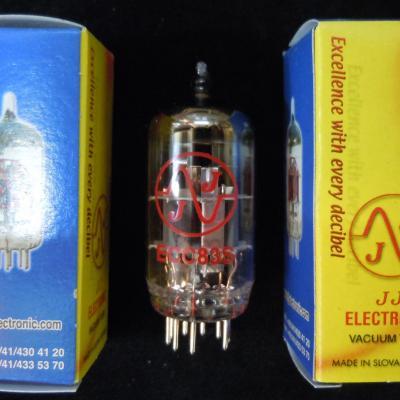 ECC83S JJ-ELECTRONIC   12AX7  ( Haut de Gamme qualité HIFI )