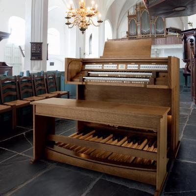 ECCLESIA T250 chêne foncé  JOHANNUS orgue d'Eglise 34 jeux avec 9 enceintes UL