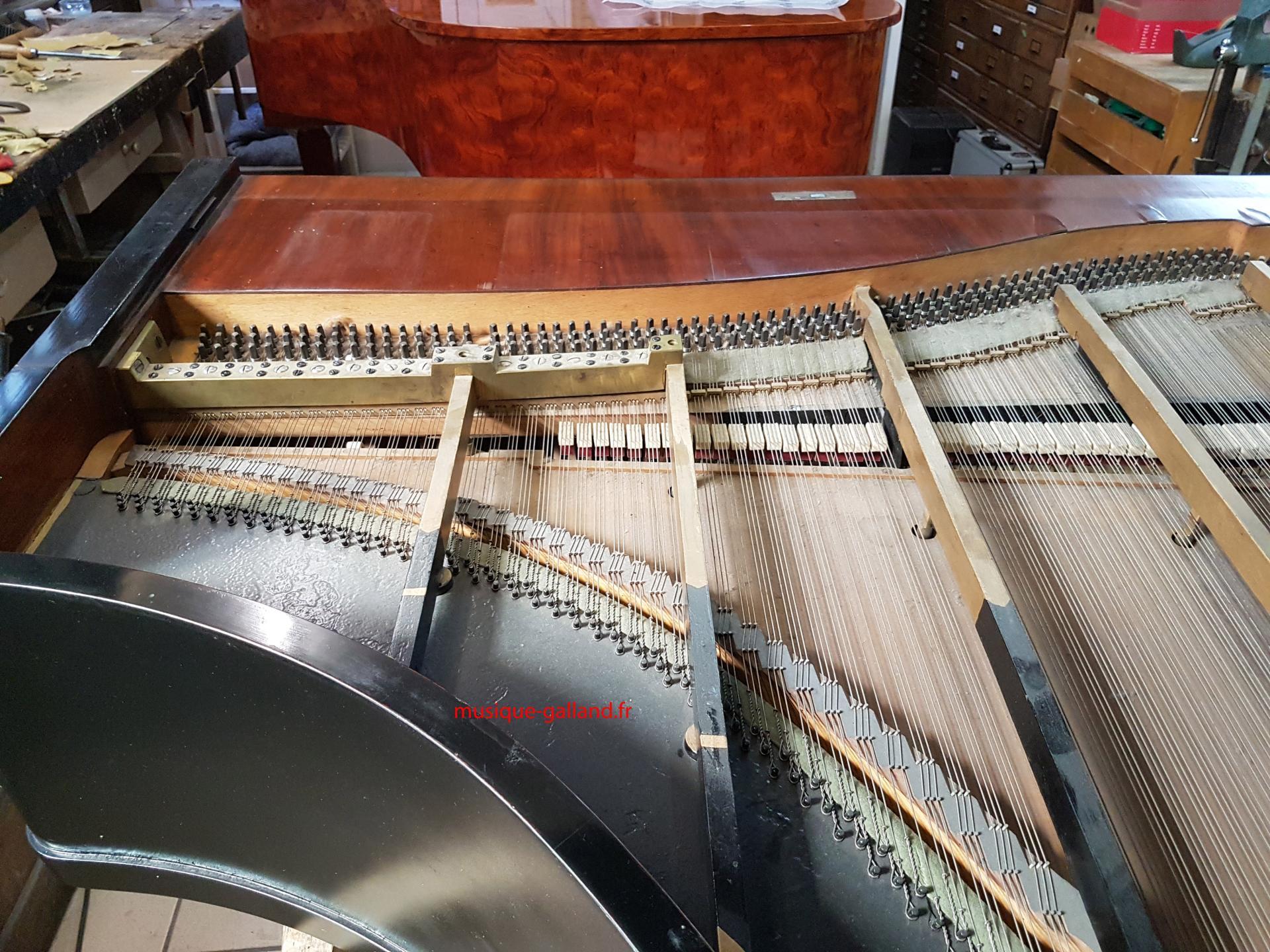 Grand couvercle enlevé, mis à jour de l'instrument