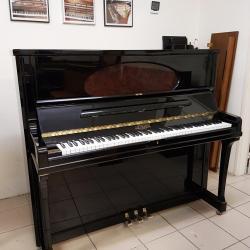 Polissage et rénovation pour ce piano 130 cm