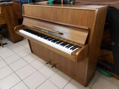 LOCATION d'un Piano d'étude Fuchs et Mohr  Noyer Fabrication Allemagne