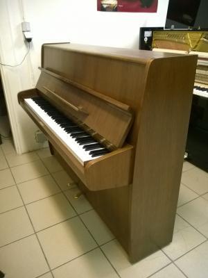 Petit piano droit d'occasion FUCHS ET MOHR noyer 102 cm