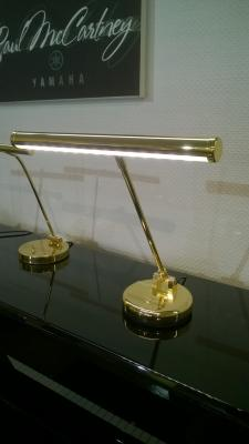 140.030 Lampe de piano - Finition Laiton brillant  - LED