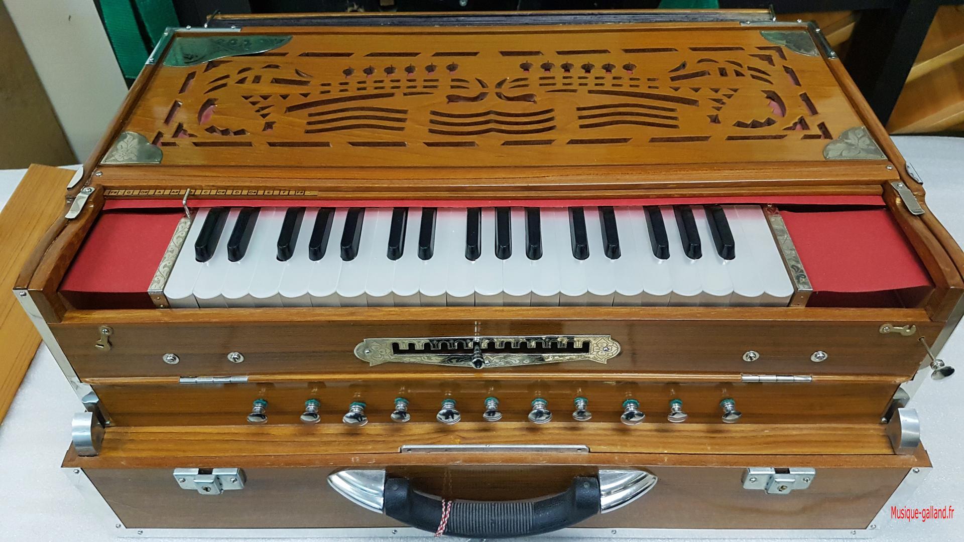 Harmonium port ind 8