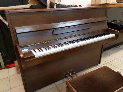 Piano droit d'occasion 109 cm HELLAS noyer satiné