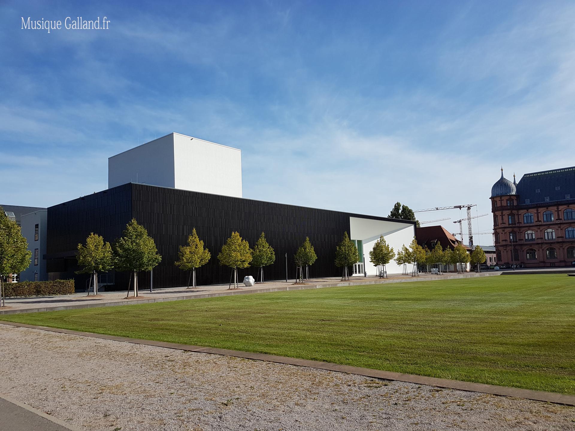 Die Hochschule für Musik Karlsruhe - University of Music