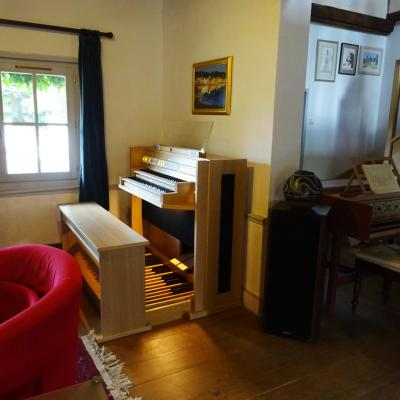 LIVE 2T JOHANNUS orgue 2 claviers  44 registres + finition chêne clair