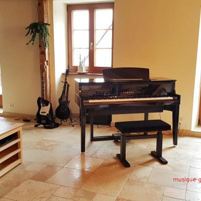 YAMAHA N1X noir brillant HYBRIDE avec mécanique piano à queue (Disponible-Monté)