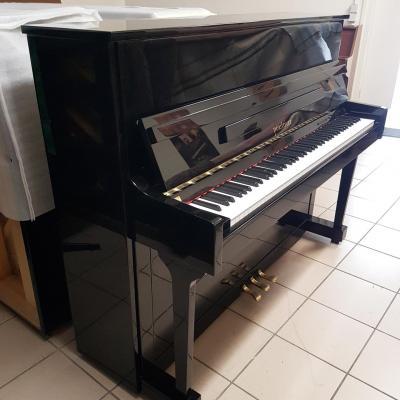 LOCATION d'un piano droit PEARLRIVER noir brillant