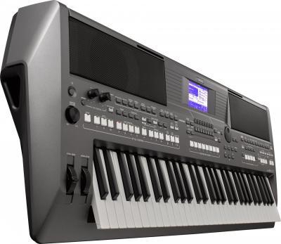 Clavier YAMAHA PSR-S670