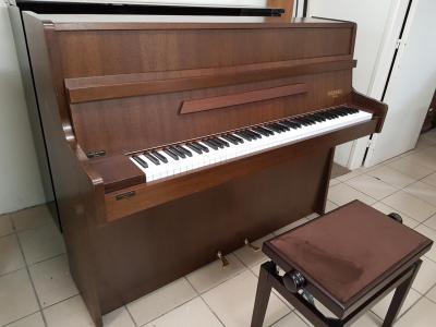 LOCATION-TEST d'un piano droit RAMEAU noyer Beaubency ( occasion )
