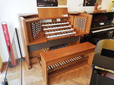 REMBRANDT 495 JOHANNUS orgue de salon à 4 claviers  en chêne panneauté