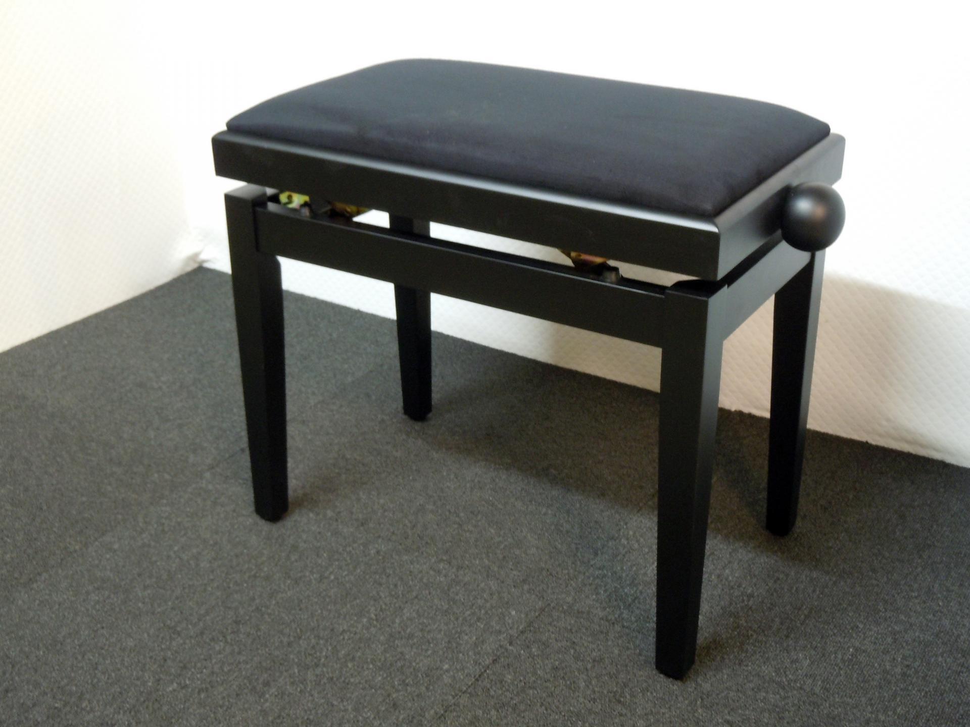 banquette de piano noir mat mod le economique. Black Bedroom Furniture Sets. Home Design Ideas