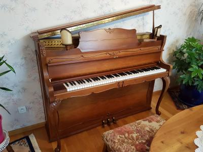 SCHIMMEL Piano droit d'occasion LOUIS XV Baroque