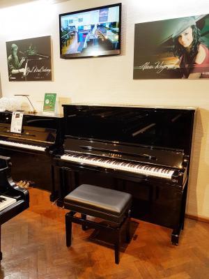 YAMAHA SE132 SH2 Silent piano droit CONCERT noir brillant 132 cm