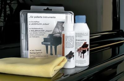 Set d'entretien pour la surface de piano vernis brillant
