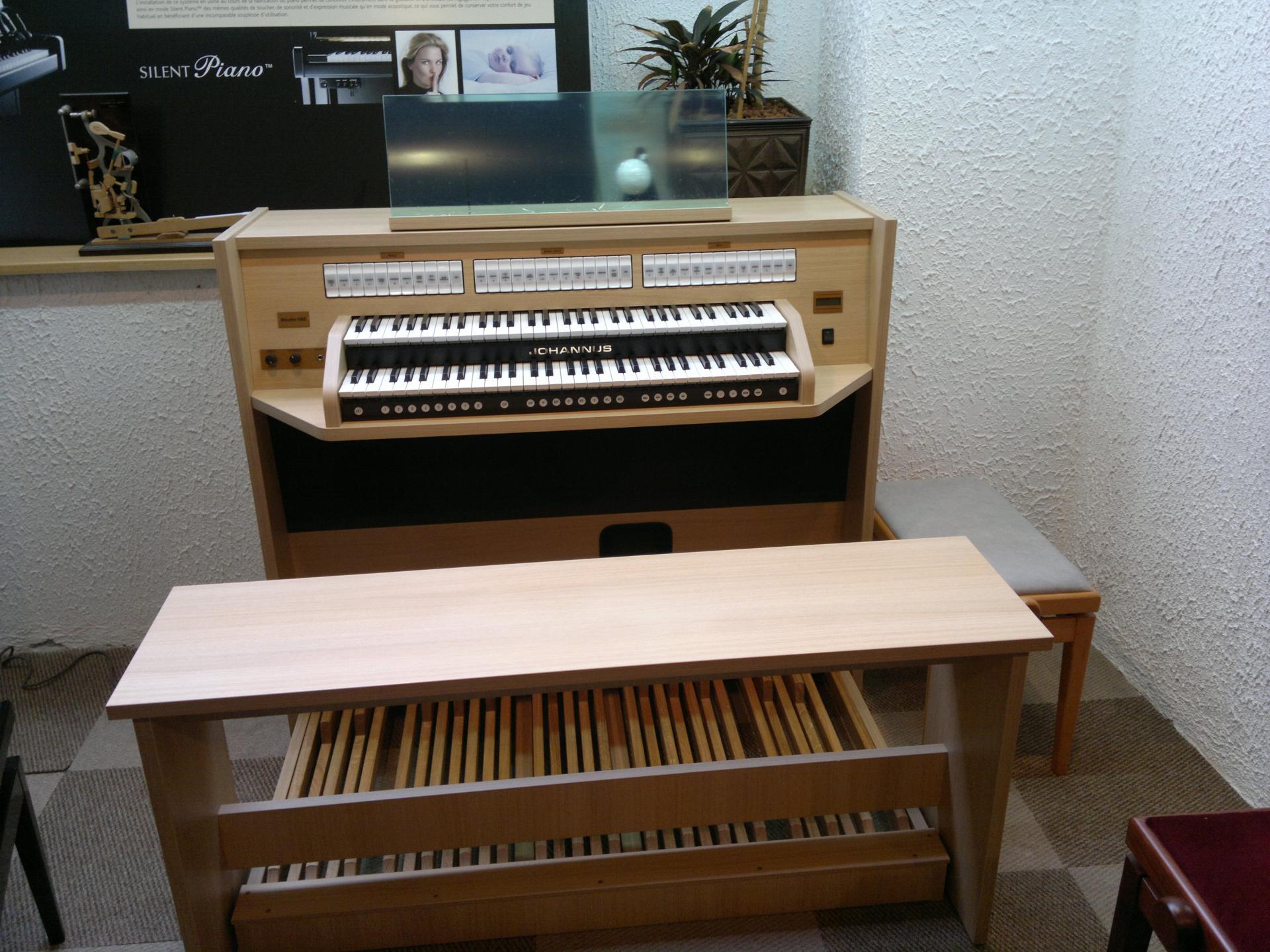 Studio 150 20102011020