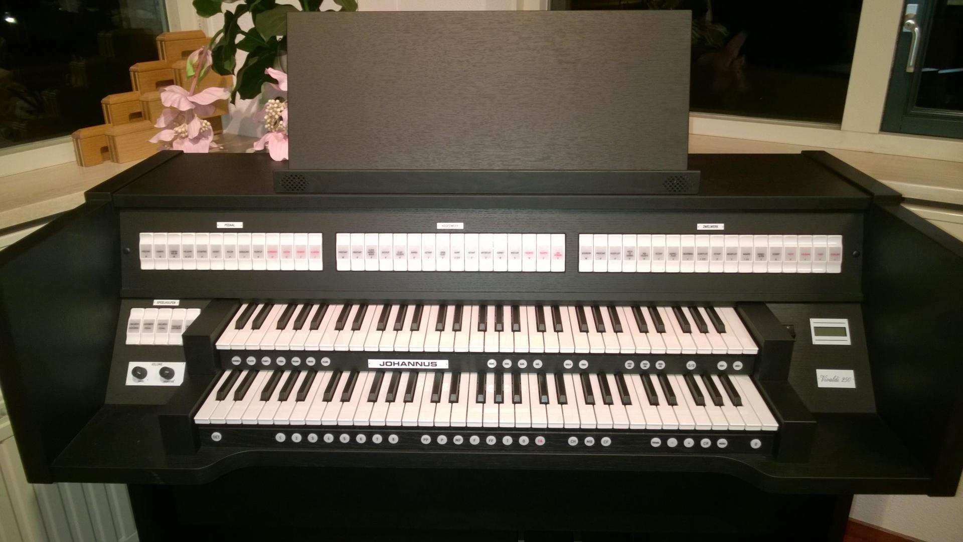 Vivaldi 250 noir 1