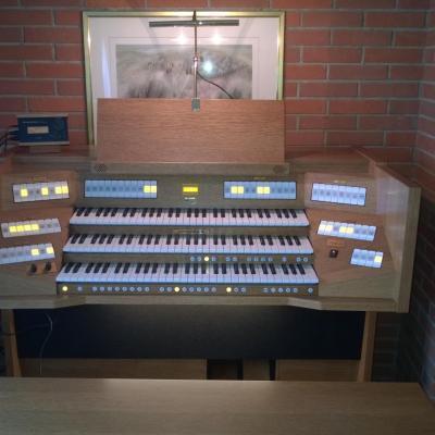 VIVALDI 350 JOHANNUS  orgue 3 claviers avec 57 registres +finition chêne foncé