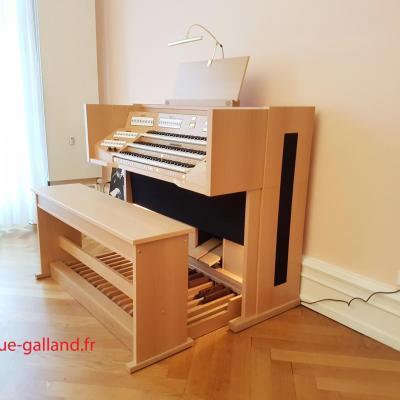 VIVALDI 350 JOHANNUS orgue 3 claviers  57 registres + finition chêne clair
