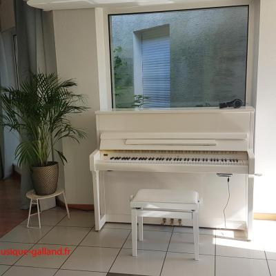 Piano neuf WILHELM-Schimmel W114-TWINTONE-BLANC (Disponible)
