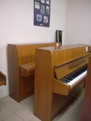 Piano d'occasion FUCHS ET MOHR merisier 109 cm