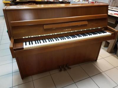 LOCATION-TEST d'un piano droit YAMAHA ( occasion )