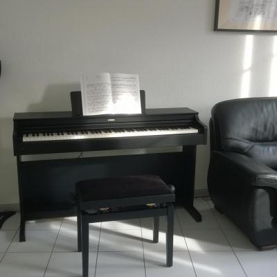 LOCATION d'un piano numérique neuf YAMAHA ARIUS YDP-144-B