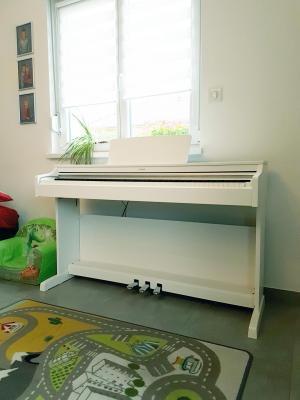 YAMAHA YDP163WH ARIUS  piano numérique blanc