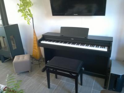 YAMAHA YDP163B ARIUS piano numérique noir